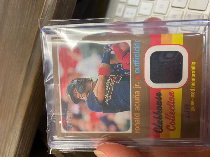 Acuna, Ronald 2020 Heritage Gold Relic