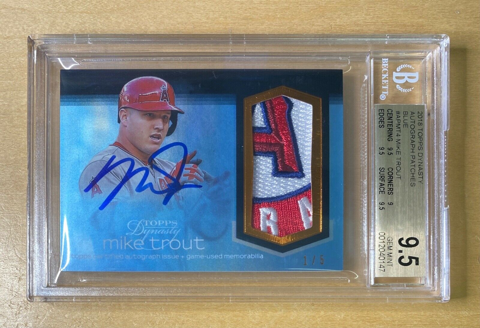 2018 Topps Dynasty MIKE TROUT Jersey Logo Patch Auto 1/5 BGS 9.5 Gem Mint Angels - Image 1