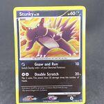 Stunky 76/100 Reverse Holo Common Stormfront Pokemon Card